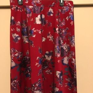 Dresses & Skirts - Beautiful floral a line skirt!